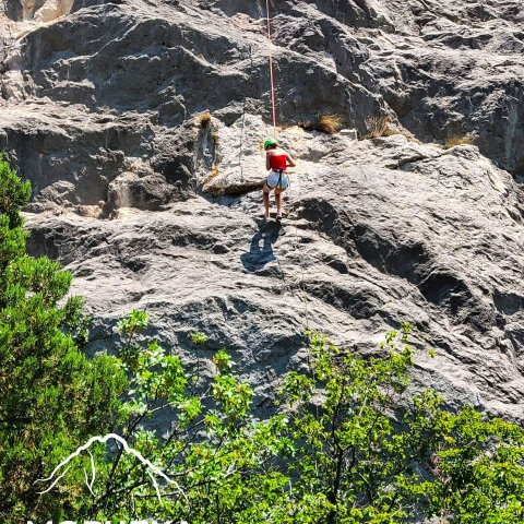 Морчека Эдвенчер - Спуск с вершины скалы Парус